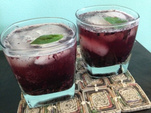blackberry bourbon fizz